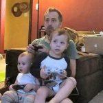 ゲーマー夫を持つ妻に聞く、3歳の子供とゲームの付き合い方について